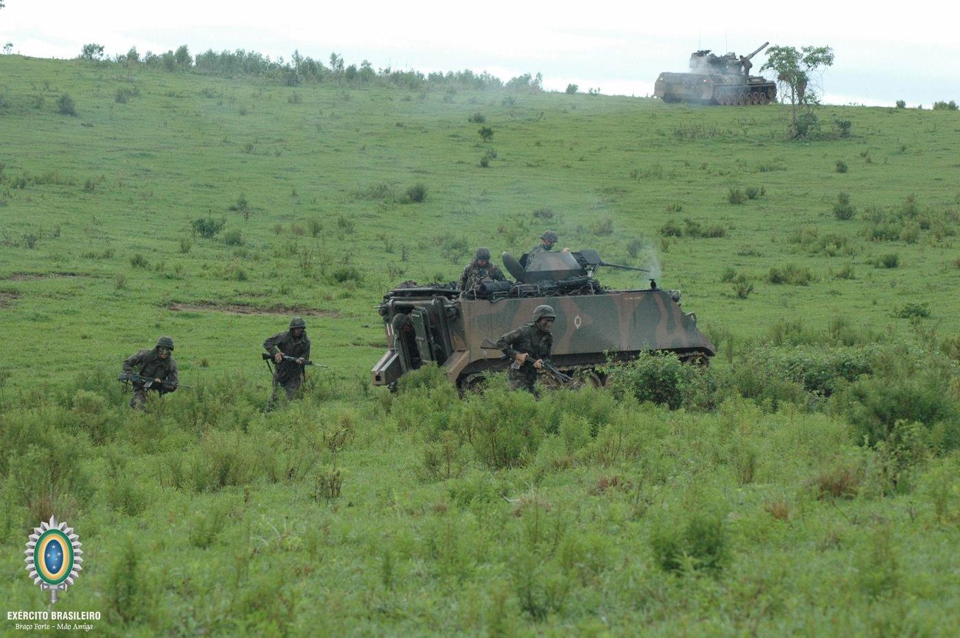 Los nuevos vehículos blindados que se incorporarán a la flota del Ejército de Brasil son 34 vehículos M577A2 de puestos de comando, 12 vehículos de transporte de personal y cuatro vehículos M88A1 de recuperación. (Foto: Ejército de Brasil)