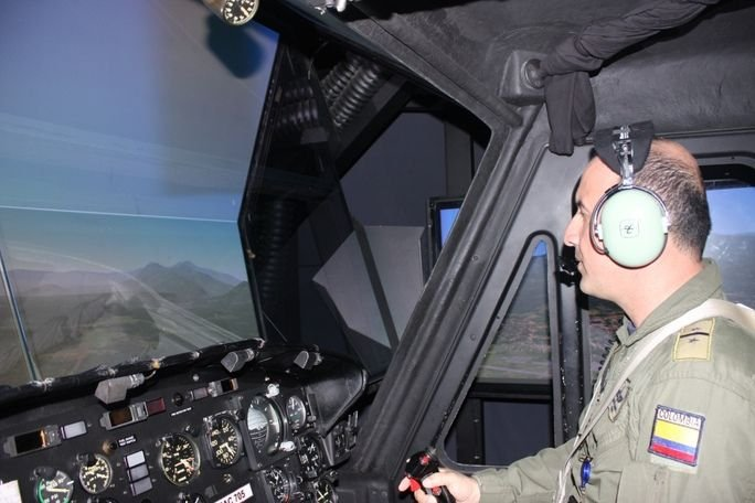 Helicopter Pilots for Export :: Dialogo Americas