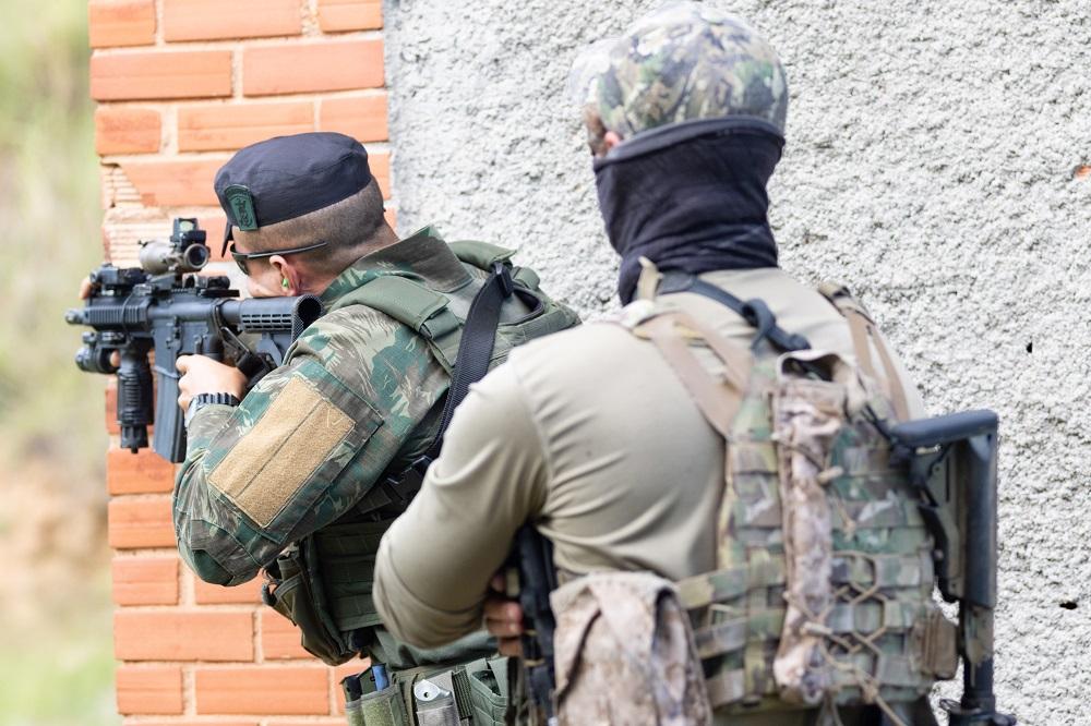 Brazilian Navy Special Operators Train with US Navy SEALs