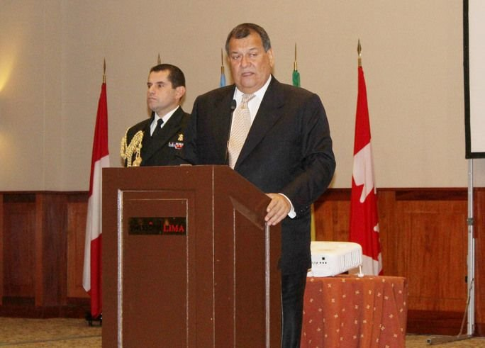 Ministro da Defesa do Peru está orgulhoso da atuação das Forças Armadas frente El Niño Costero