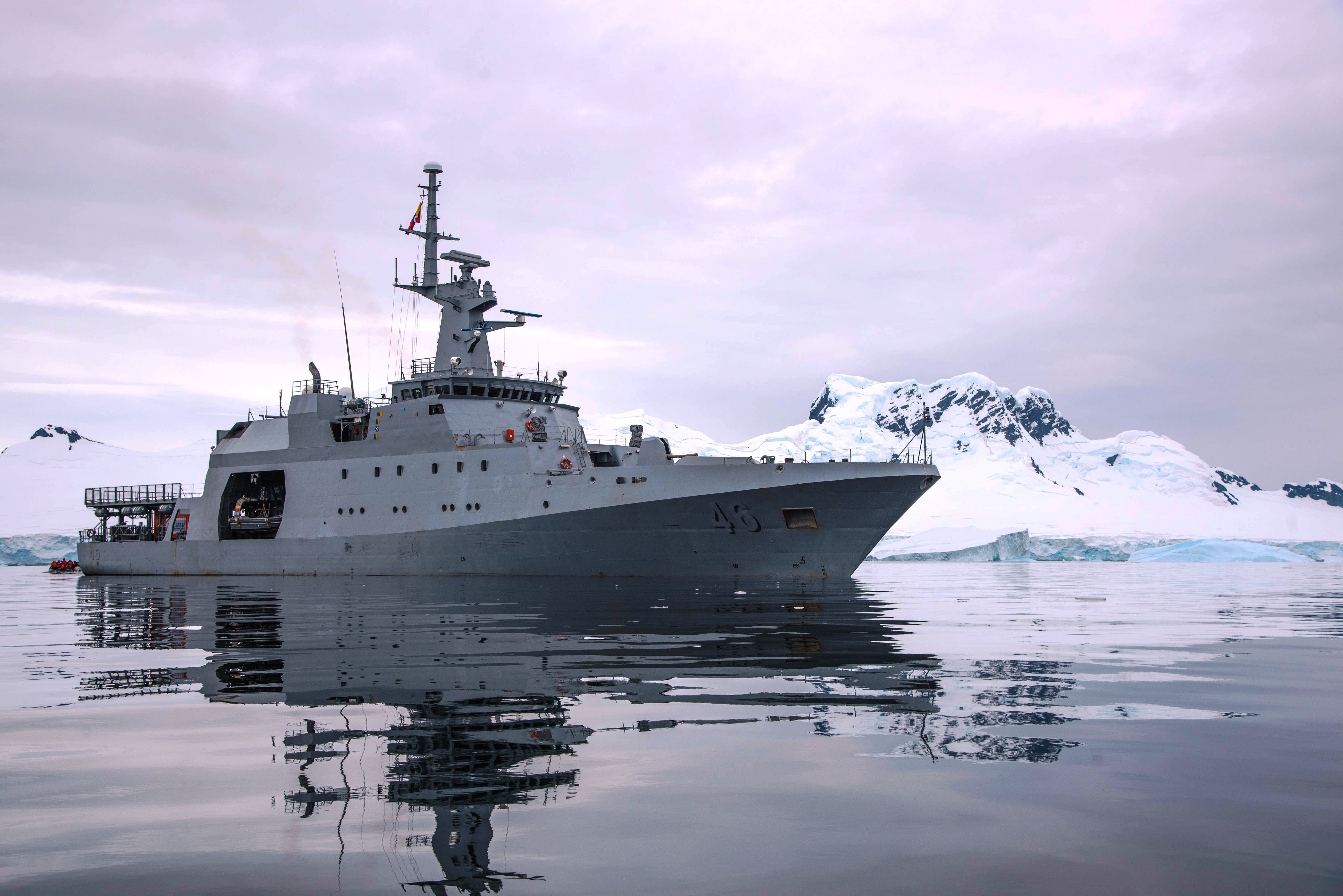 Colombian Military Forces United in Fourth Antarctic Expedition