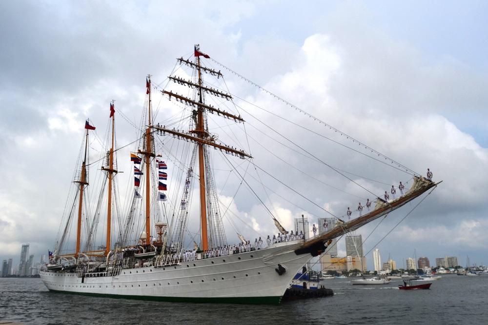 Colombia Welcomes Chilean Training Ship Esmeralda