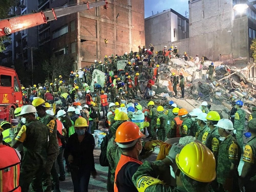 Mexican Armed Forces Deploy Massive Contingent For the Earthquake
