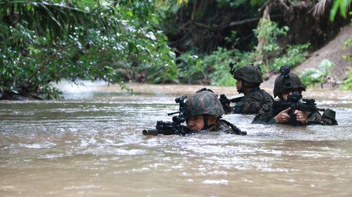 Costa Rican and Panamanian Service Members Practice Jungle Combat