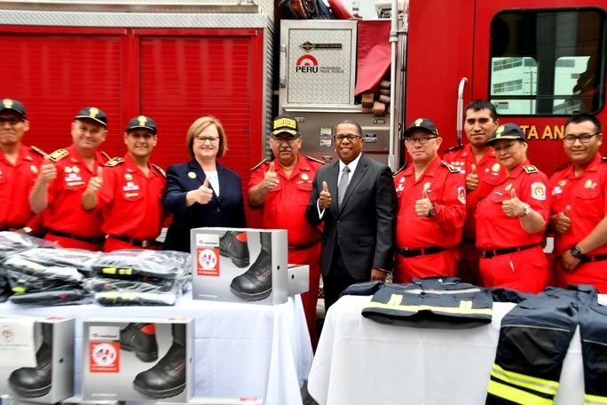 Peruvian Fire Brigade Receives Advanced Equipment