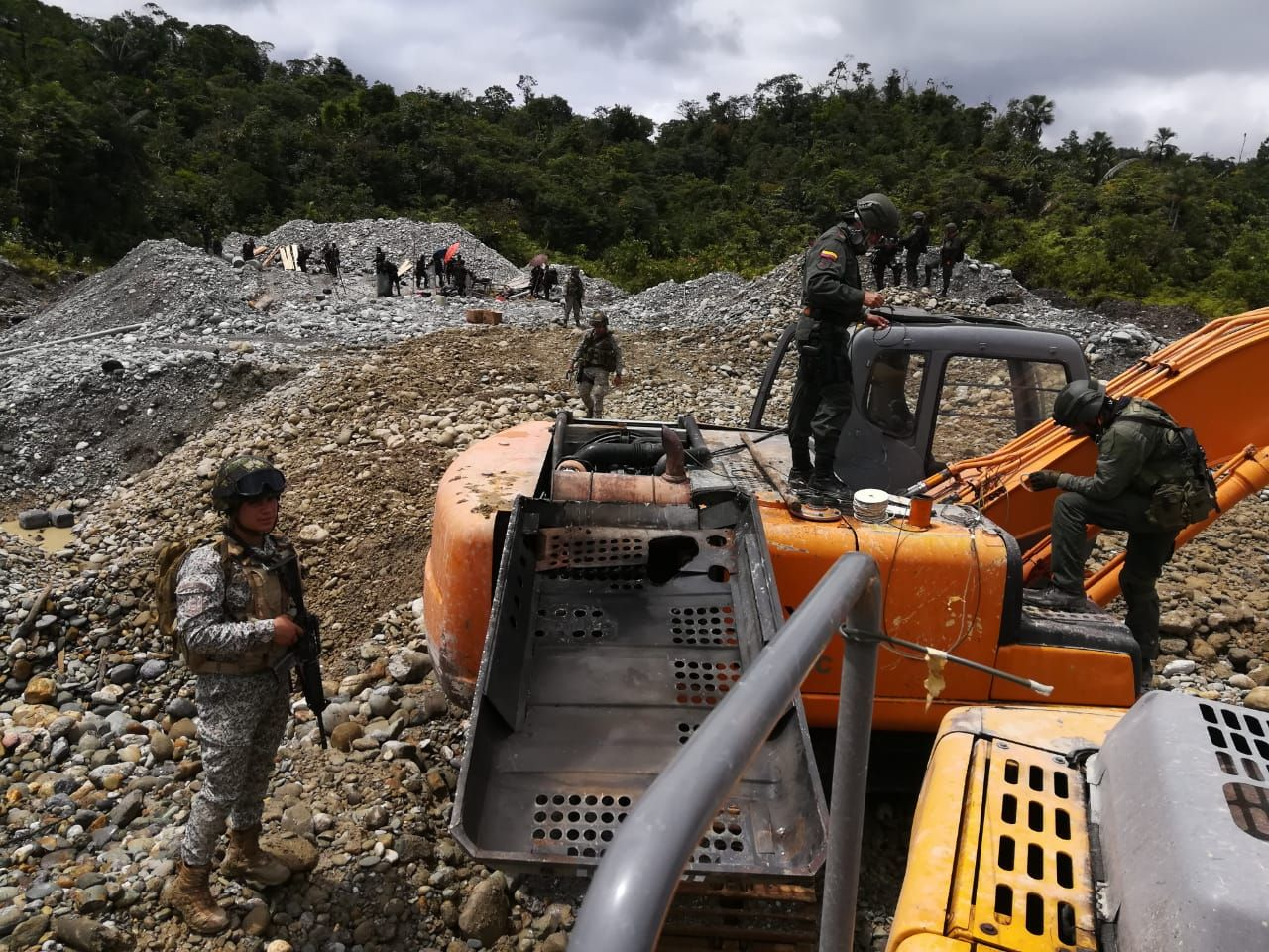 Colombian Armed Forces Fight Illegal Gold Mining