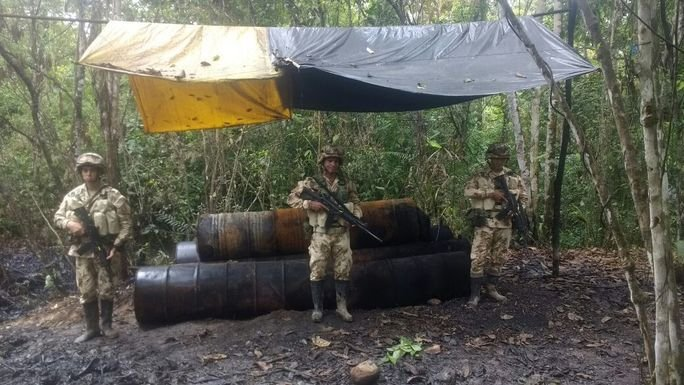 Colombian Army and National Police Search for Illegal Refineries