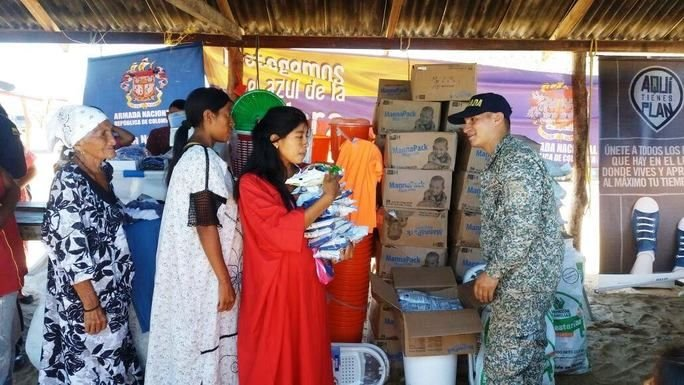 Colombian Navy Delivers Aid to Indigenous Communities