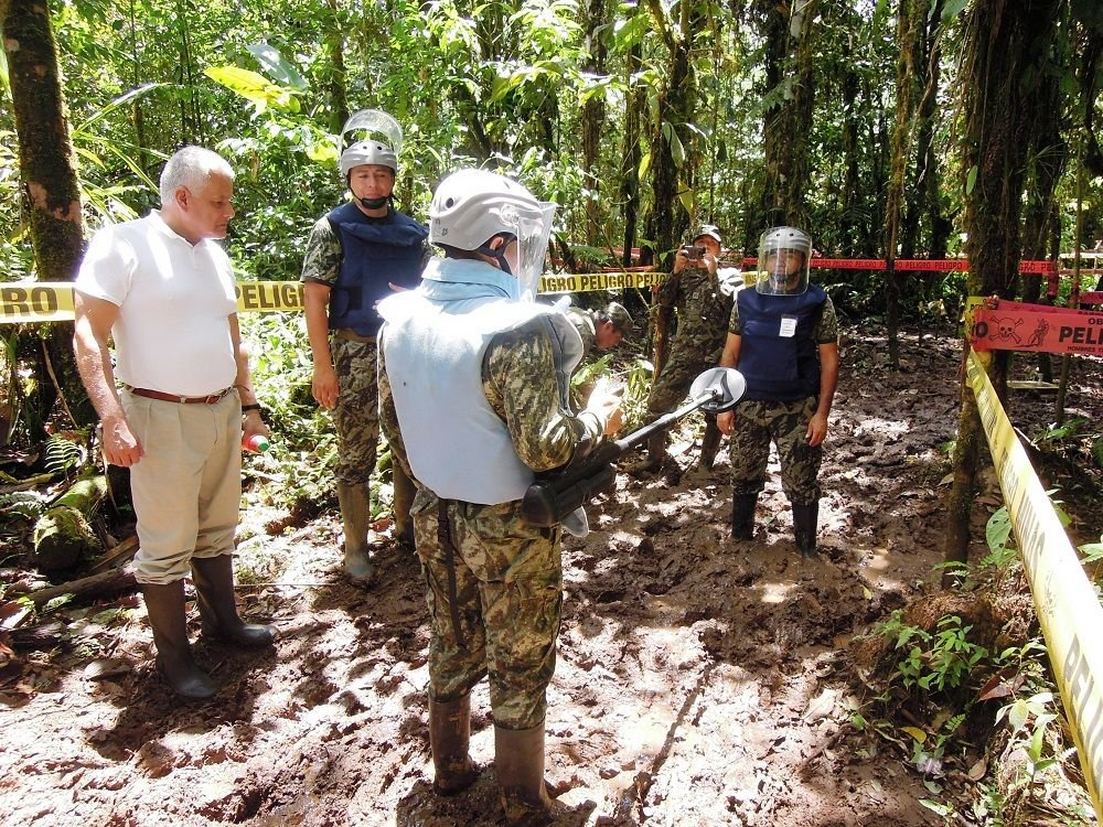 Peru and Ecuador Strenghten Their Humanitarian Demining Capabilities
