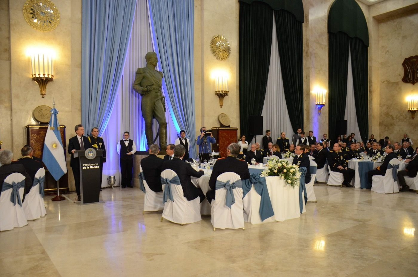Argentine Government Renews, Strengthens Relations with Armed Forces