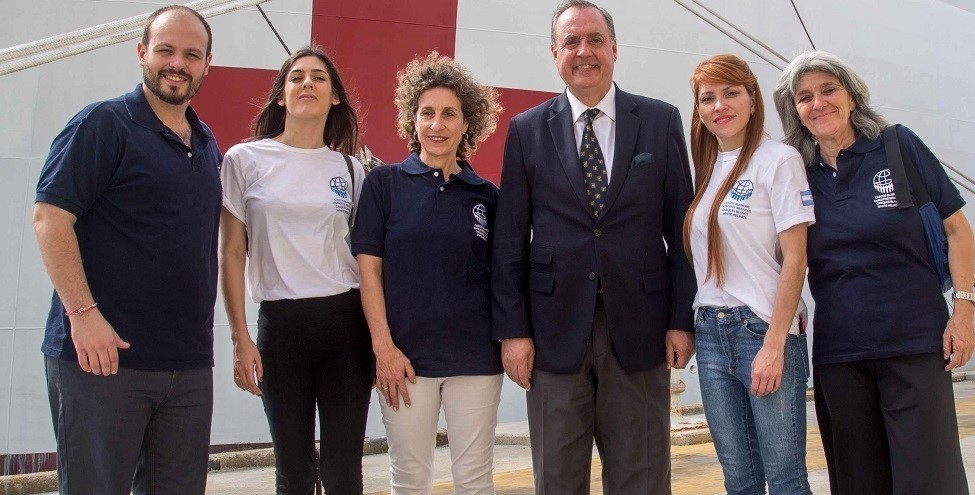 Argentine White Helmets Participate in USNS Comfort Mission