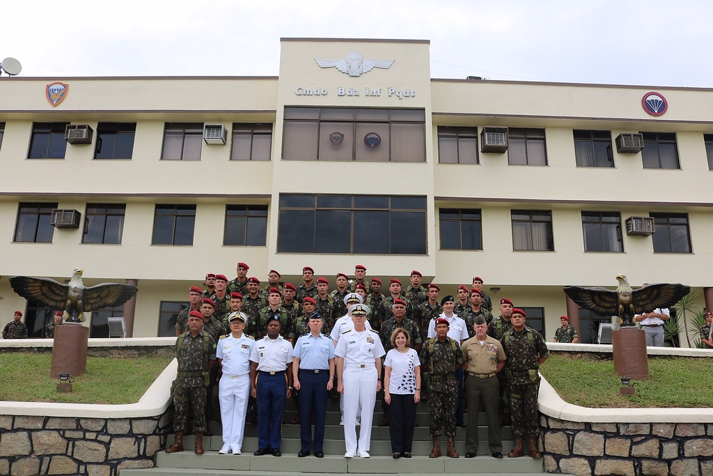 SOUTHCOM Commander Strengthens Bonds with Brazil