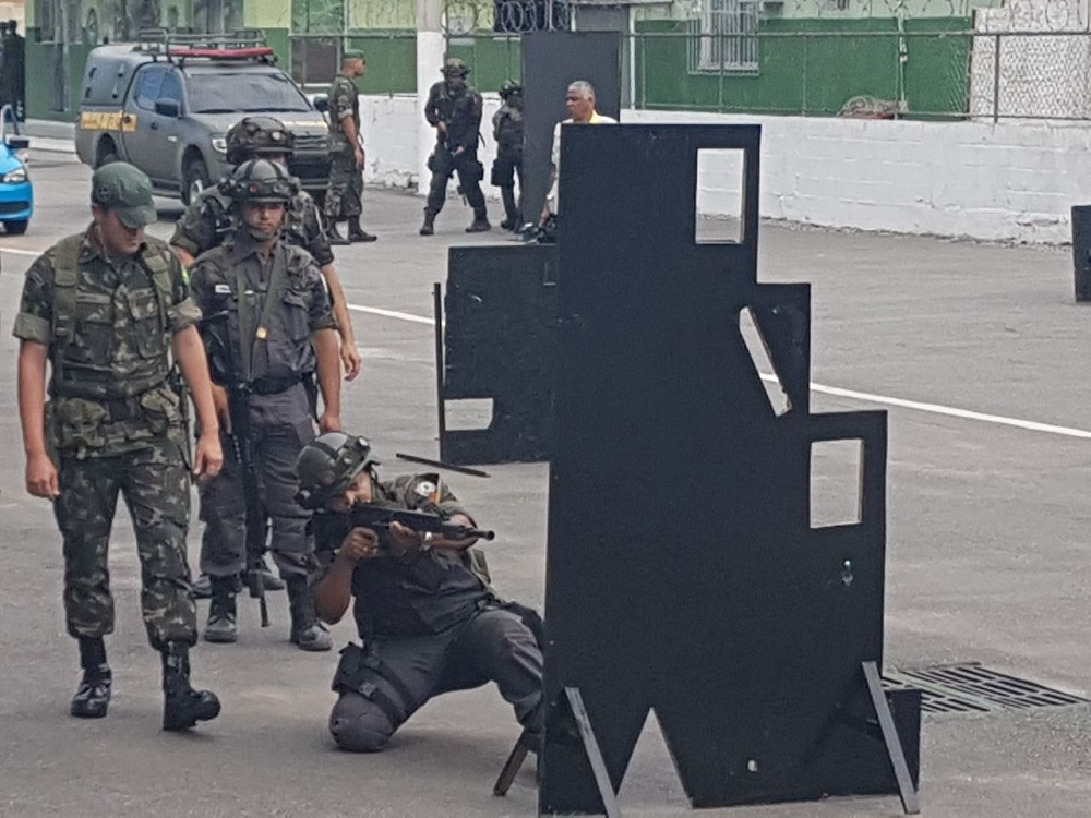 Brazilian Army Conducts Training for Rio de Janeiro's Military Police