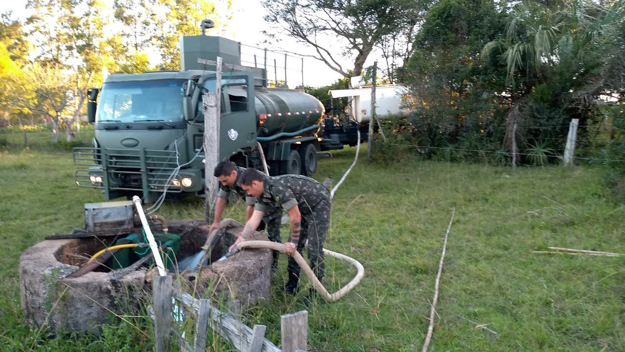 Brazilian Army Delivers Water to Drought Affected Regions
