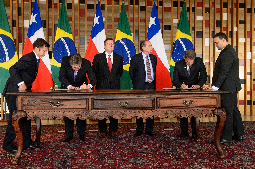 Brazilian and Chilean Military Sign Joint Cooperation Agreements