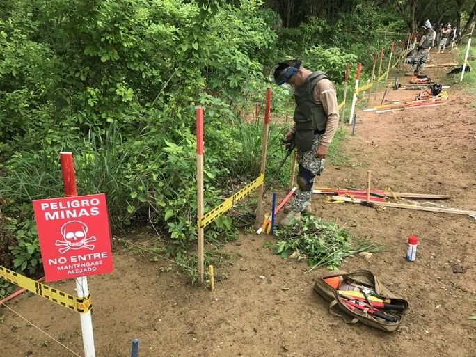 Brazilian Marines Assist Colombia with Humanitarian Demining