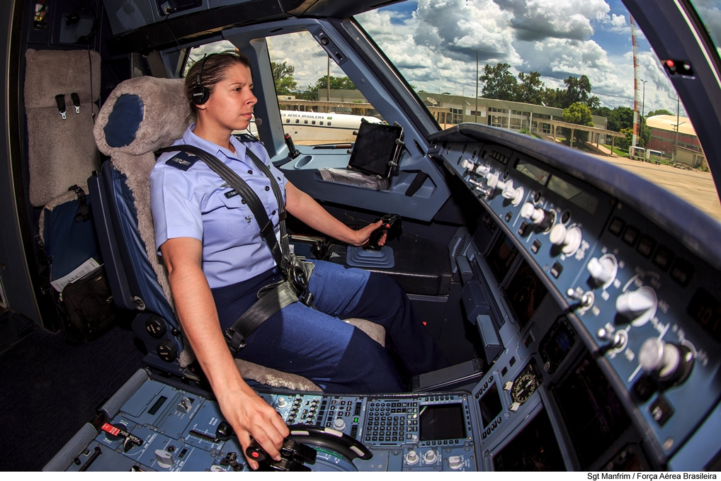The Brazilian Air Force's First Female Fighter Jet Pilot Flies Presidential Airplane