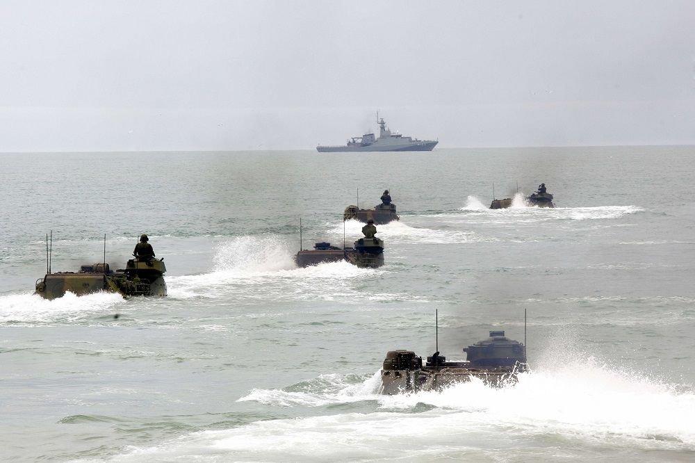 Marines Conduct Amphibious Operation on Brazilian Coast