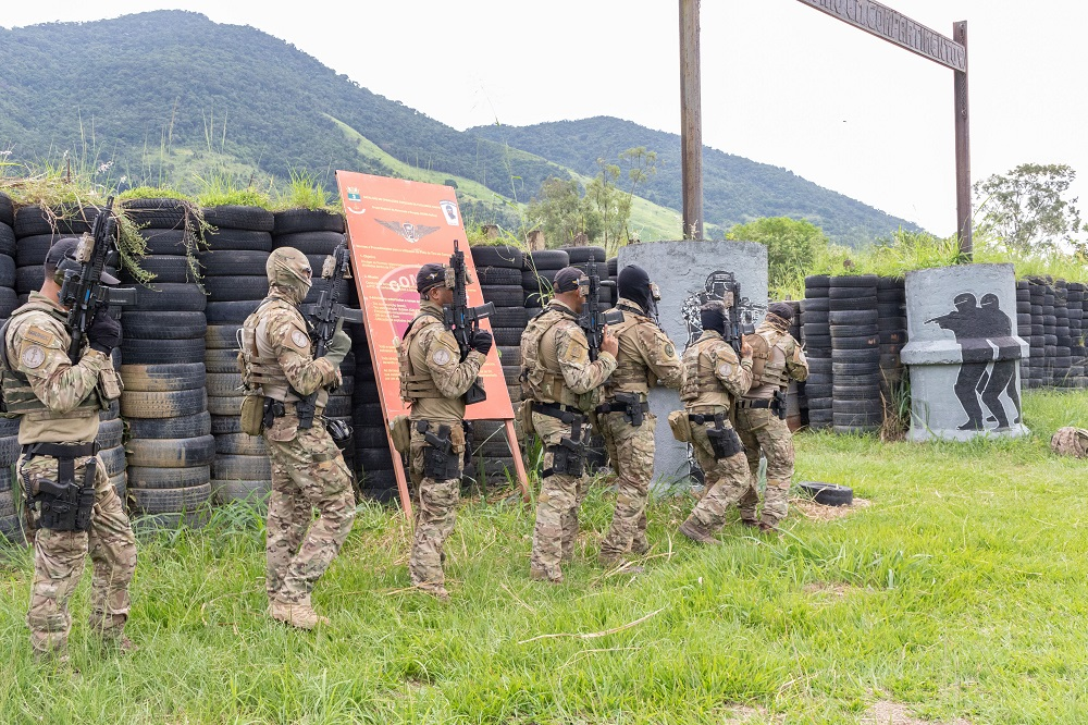 Brazilian Navy Special Operators Train with US Navy SEALs