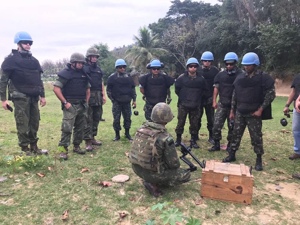 Brazilian and Peruvian Service Members Attend Humanitarian Demining Course