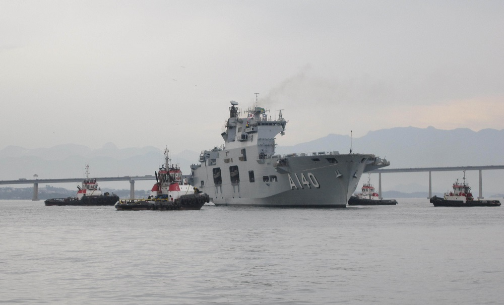 Helicopter Carrier Atlântico Receives Festive Welcome in Brazil