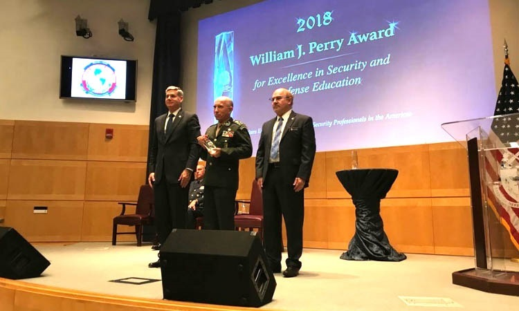 Brazilian War College Receives US Award