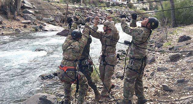Texas Guardsmen Graduate Chilean Mountain School
