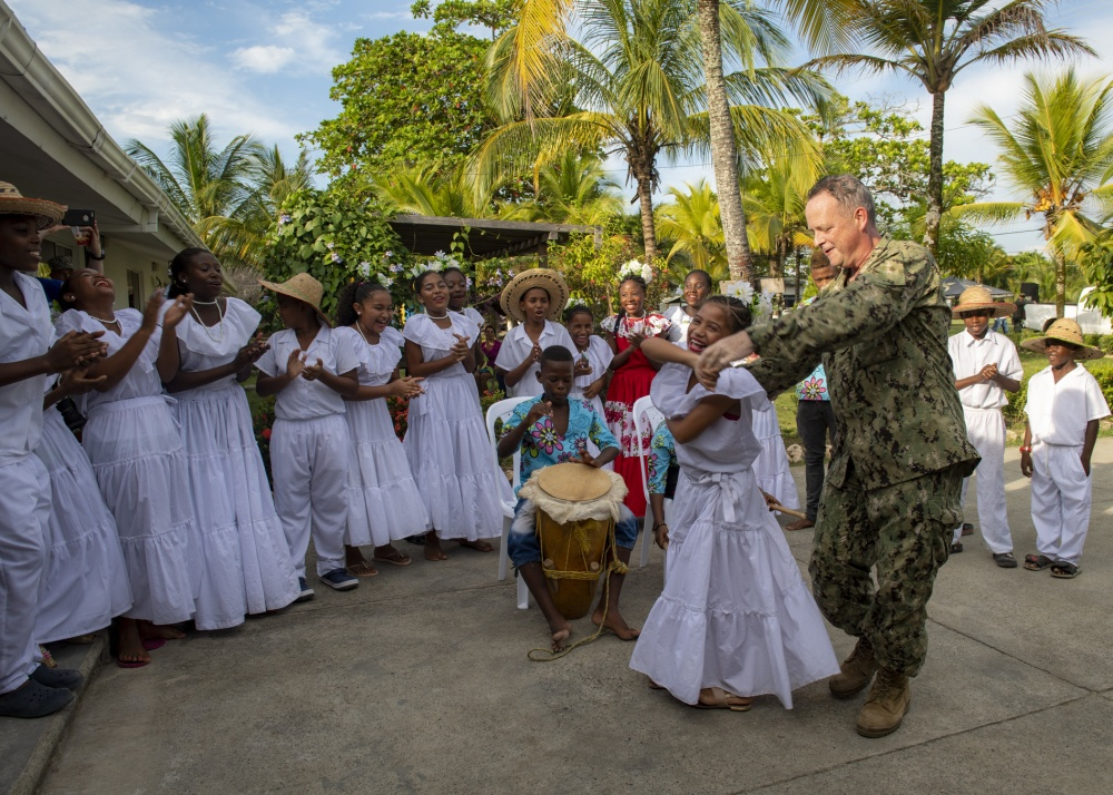 Hospital Ship USNS Comfort Arrives in Turbo, Colombia