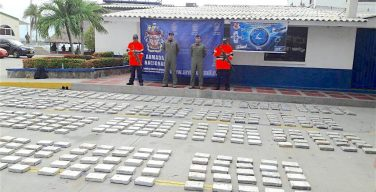 Colombian Navy, Air Force Work Together to Combat Drug Trafficking