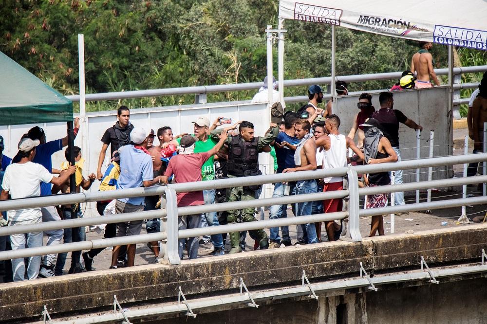 Guardia venezolana entra sin autorización a Colombia