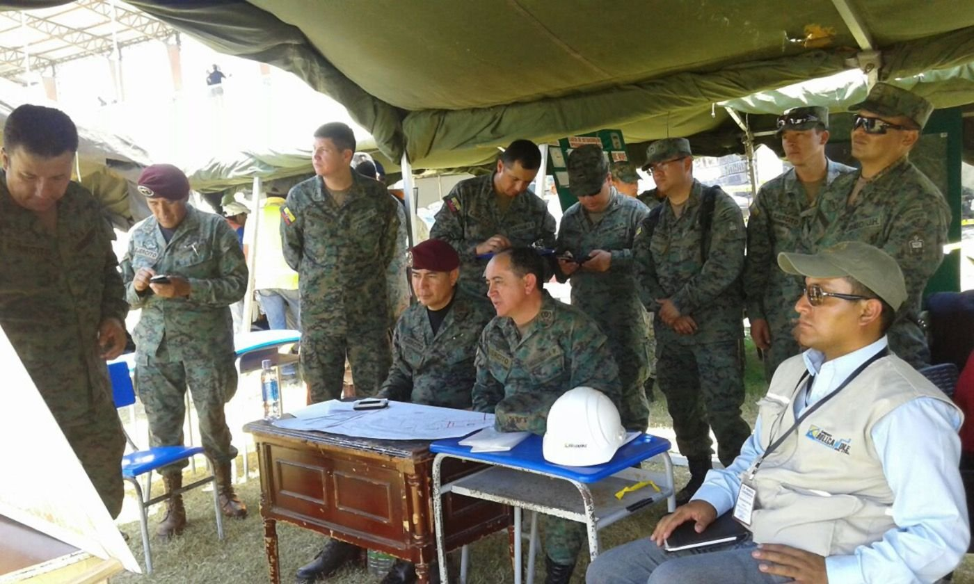 Ecuadorean Army Corps of Engineers Connects Communities Affected by Earthquake