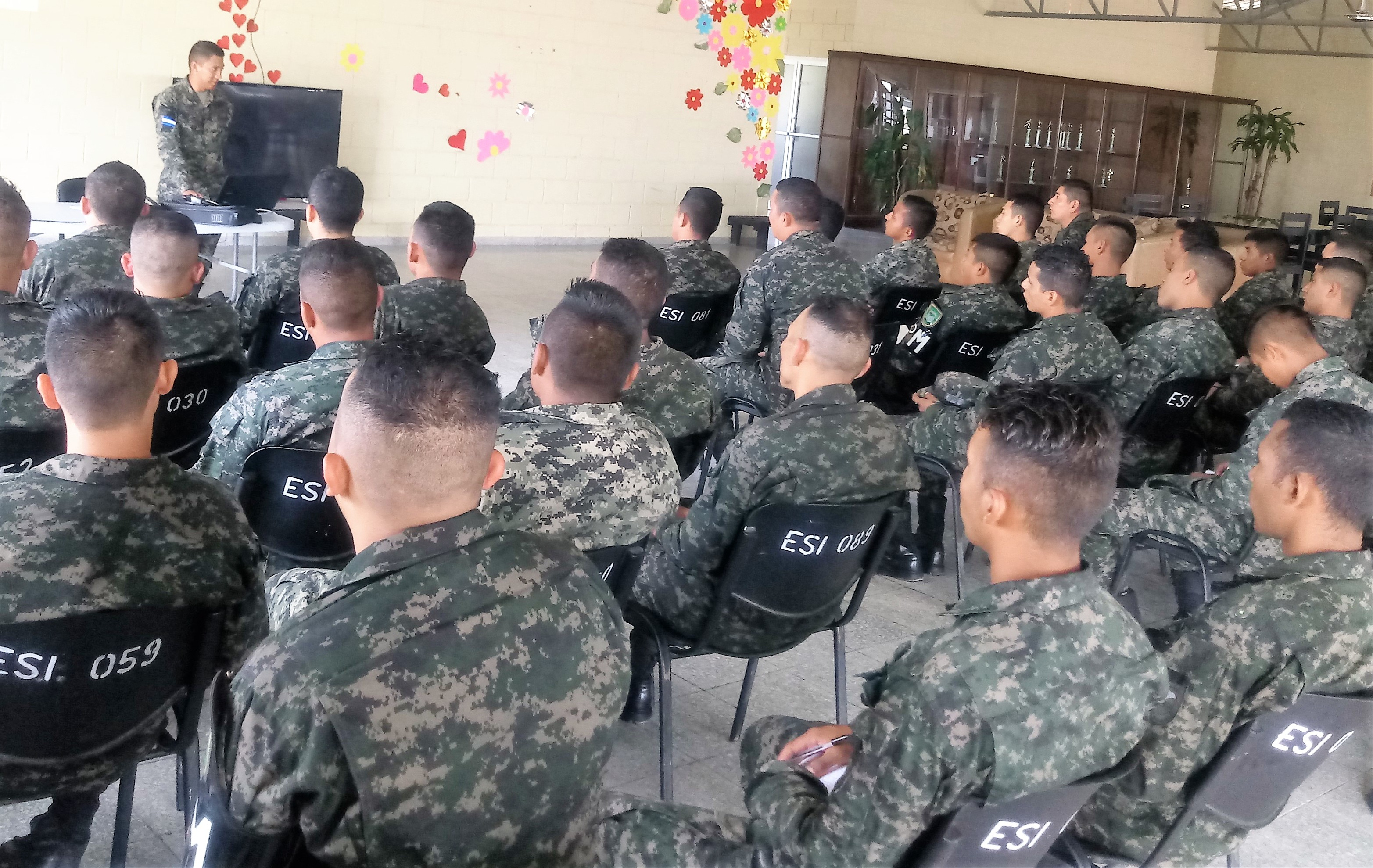 Honduran Military Police Trains in Human Rights