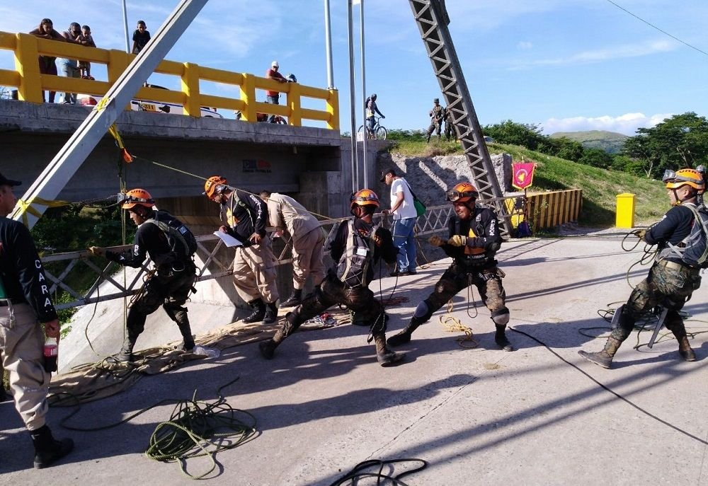 Central American Service Members Train on Rescue Operations