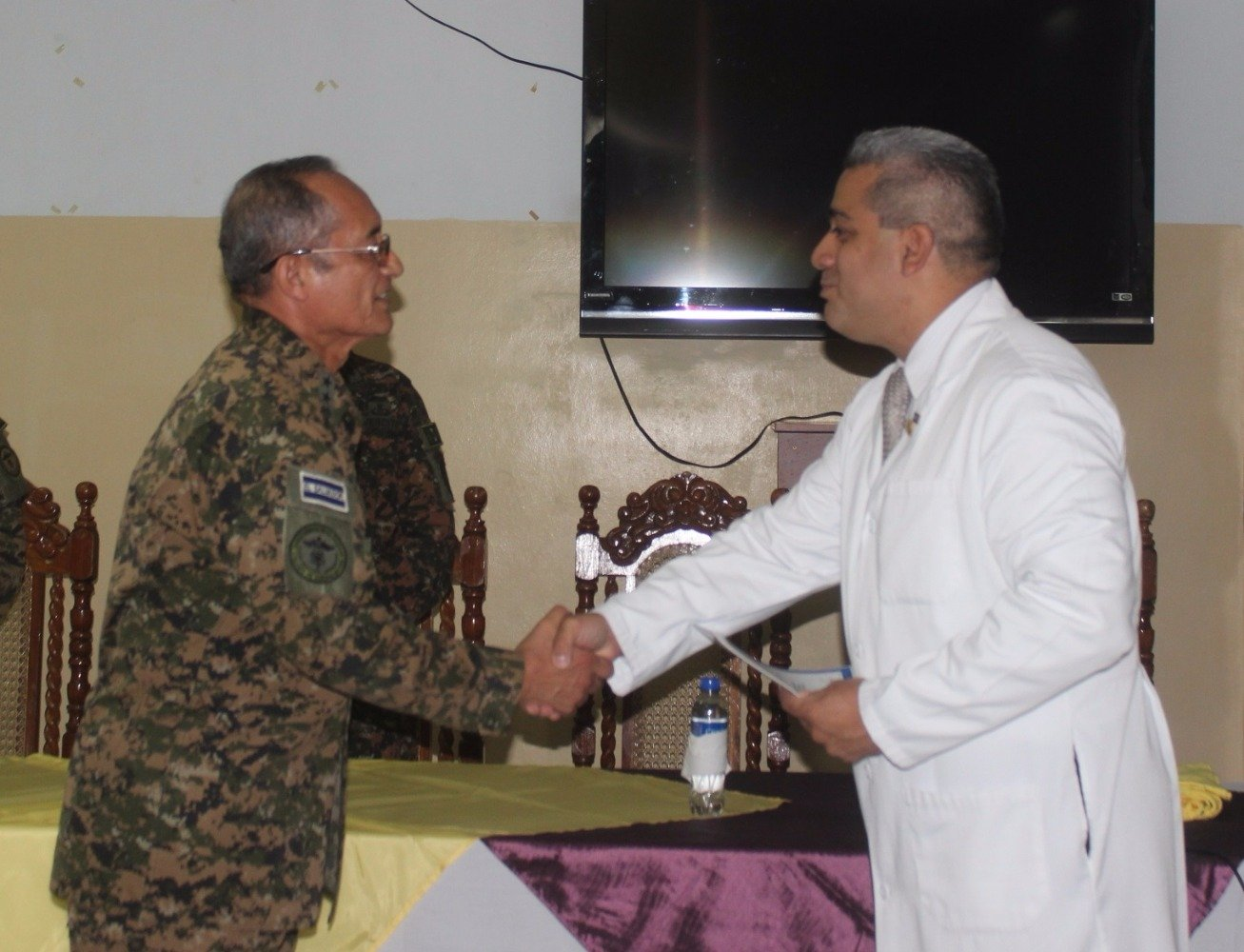 Armed Forces of El Salvador Help Children and Teenagers Get their Smiles Back