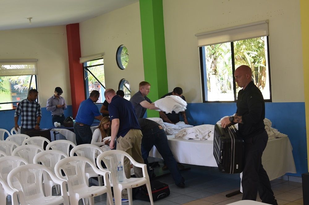 U.S., Salvadoran Airmen Donate Supplies to Youth Center