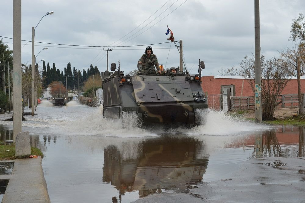 Uruguayan Army Supports Civilians During Weather Emergencies
