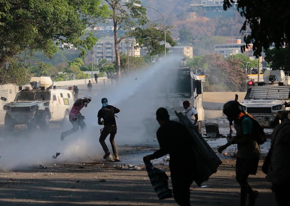 Pompeo: US Prepared for Military Intervention in Venezuela