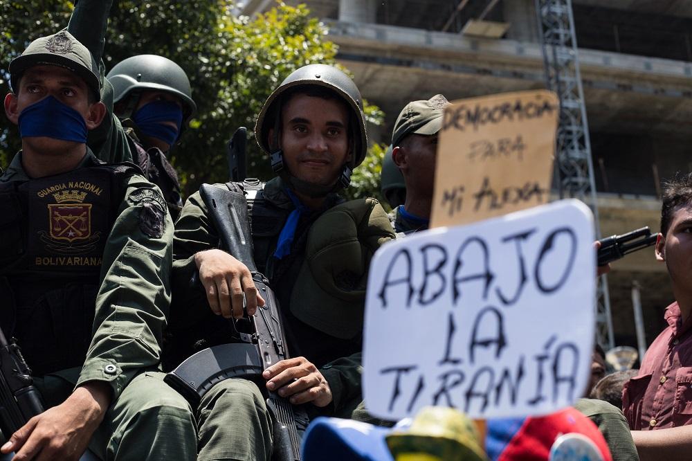 25 Venezuelan troops seek asylum in Brazil embassy