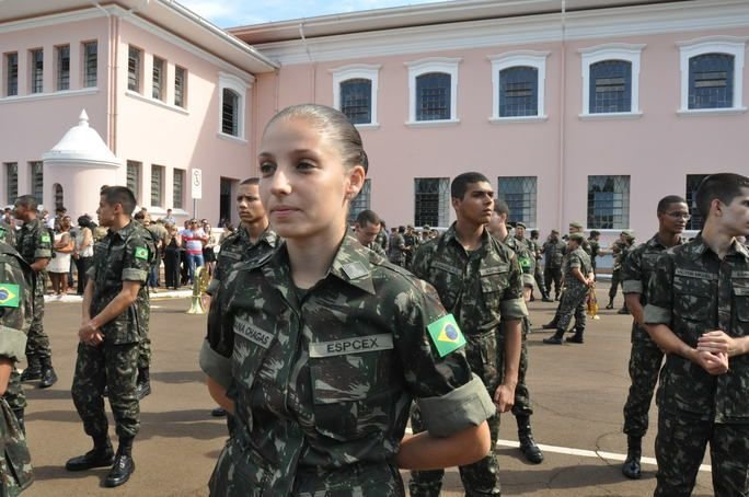 Women Begin Combat Training in Brazilian Army