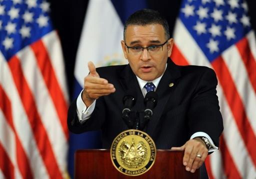 """El Salvador: Funes Praises """"Changes"""" In U.S. And Warns Chavez"""