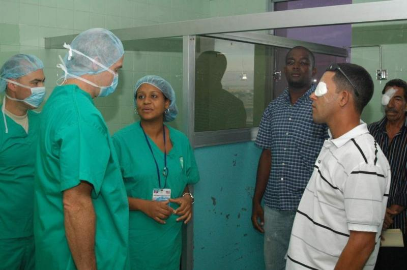 Joint Ophthalmologic Surgeries Restore Sight of Dominicans