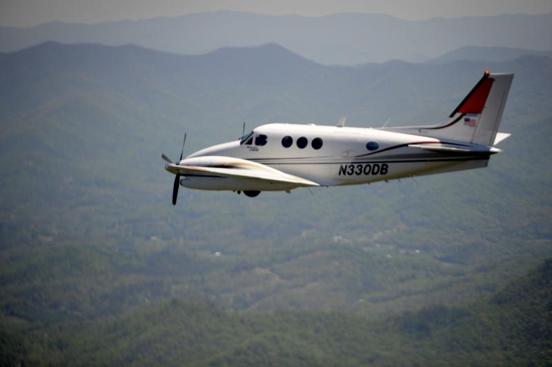Hawker Beechcraft Signs Agreements for the Modernization of Its Aircraft in FAC Service