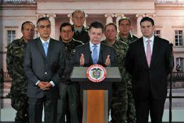 President Santos Praises Performance of the Outgoing Defense Minister