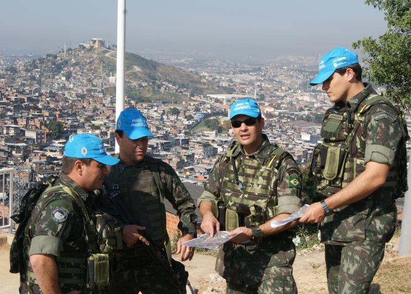 Brazil Extends Armed Forces Presence in Rio Favelas until 2012