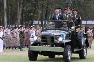 New Guatemalan President Offers Army More Equipment