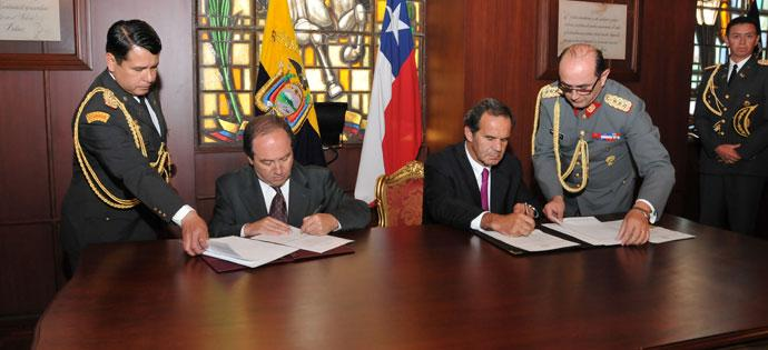 Chilean and Ecuadorean Defense Ministers Review Cooperation Agreements