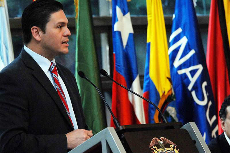 Minister Pinzón Issues Call for Joint and Coordinated Work in the Fight against Crime