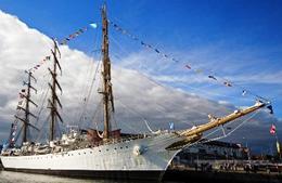 Colombian Navy Training Ship Sets Sail