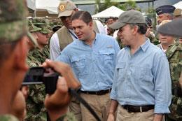 President Santos Visits Fuerzas Comando
