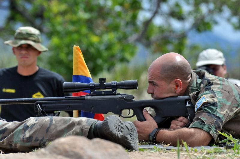 Fuerzas Comando Tests Marksmanship, Speed, Strength and Control